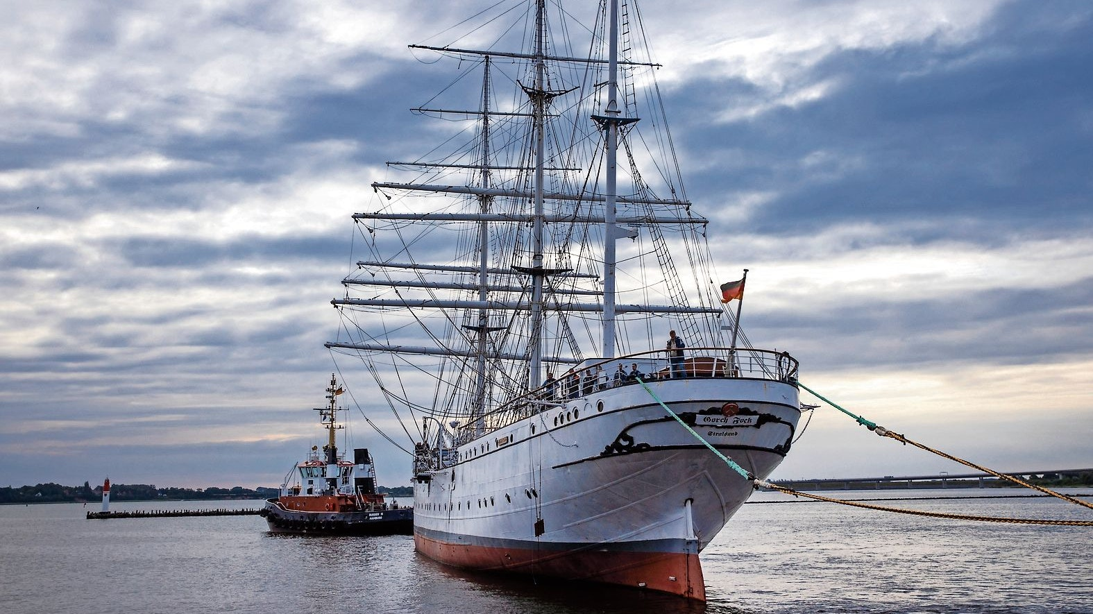 """Bald wohl wieder im Einsatz: Das Marine-Segelschiff """"Gorch Fock"""", um das es viele Ermittlungen gibt. Foto: dpa-Zentralbild, Jens Büttner"""