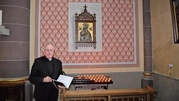 Seit Corona brennen mehr Kerzen in Garrels Kirche
