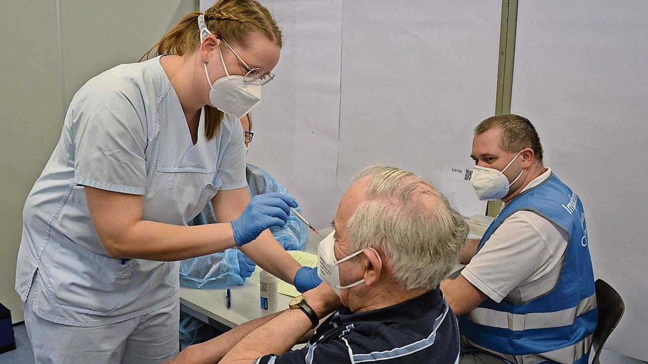 Erfahrungen genutzt: Für die beiden Impftermine in Lindern und Löningen nutzen die Verantwortlichen die Erkenntnisse der Impfungen der über 80-Jährigen in Lastrup. Foto: Georg Meyer