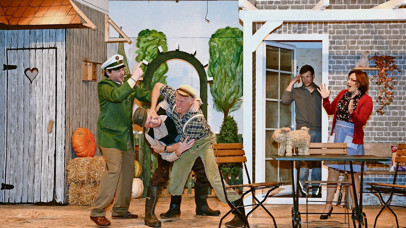 Gerangel auf der Bühne: Turbulente Szenen soll es in Bevern (Foto) bald wieder geben. Foto: Sperveslage