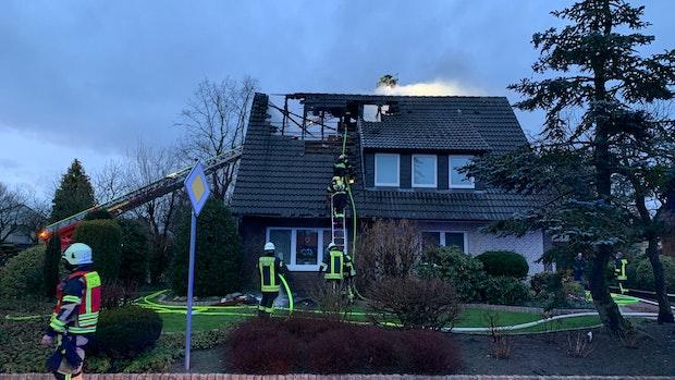 Einfamilienhaus in Emstek brennt