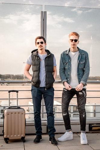 Adam Veldt (links) und DJ Lukem wollen mit Sony Music in den Streaming-Himmel abheben. Foto: privat