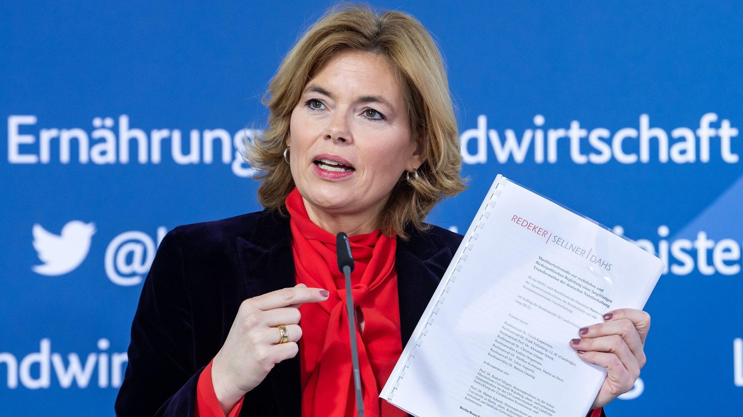 Will den Systemumbau: Agrarministerin Julia Klöckner (CDU). Foto: dpa/von Jutrczenka