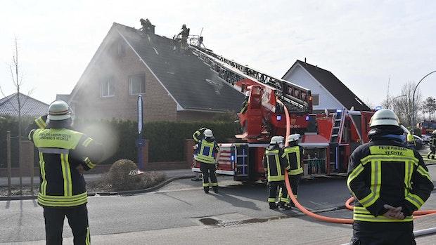 Feuerwehr Vechta löscht Brand an der Vechtaer Marsch