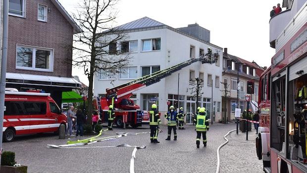 Alarm in Damme: Rauch dringt aus Wohnung