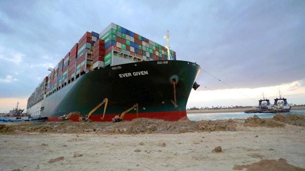 "Containerschiff ""Ever Given"" im Suezkanal freigelegt"