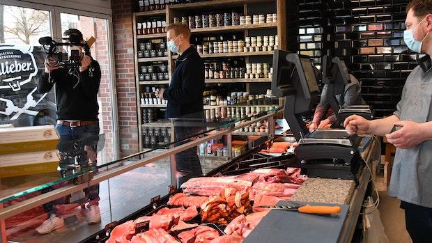 Fleischlose Zeit endet: Lastruper eröffnen Metzgerei im Stadtkern
