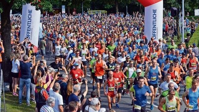 Kein Massenstart: Solche Bilder – wie hier vor zwei Jahren beim Beginn des Hauptlaufs – wird es im Juni 2021 beim Löninger Hasetal-Marathon coronabedingt nicht geben. Archivfoto: Willi Siemer