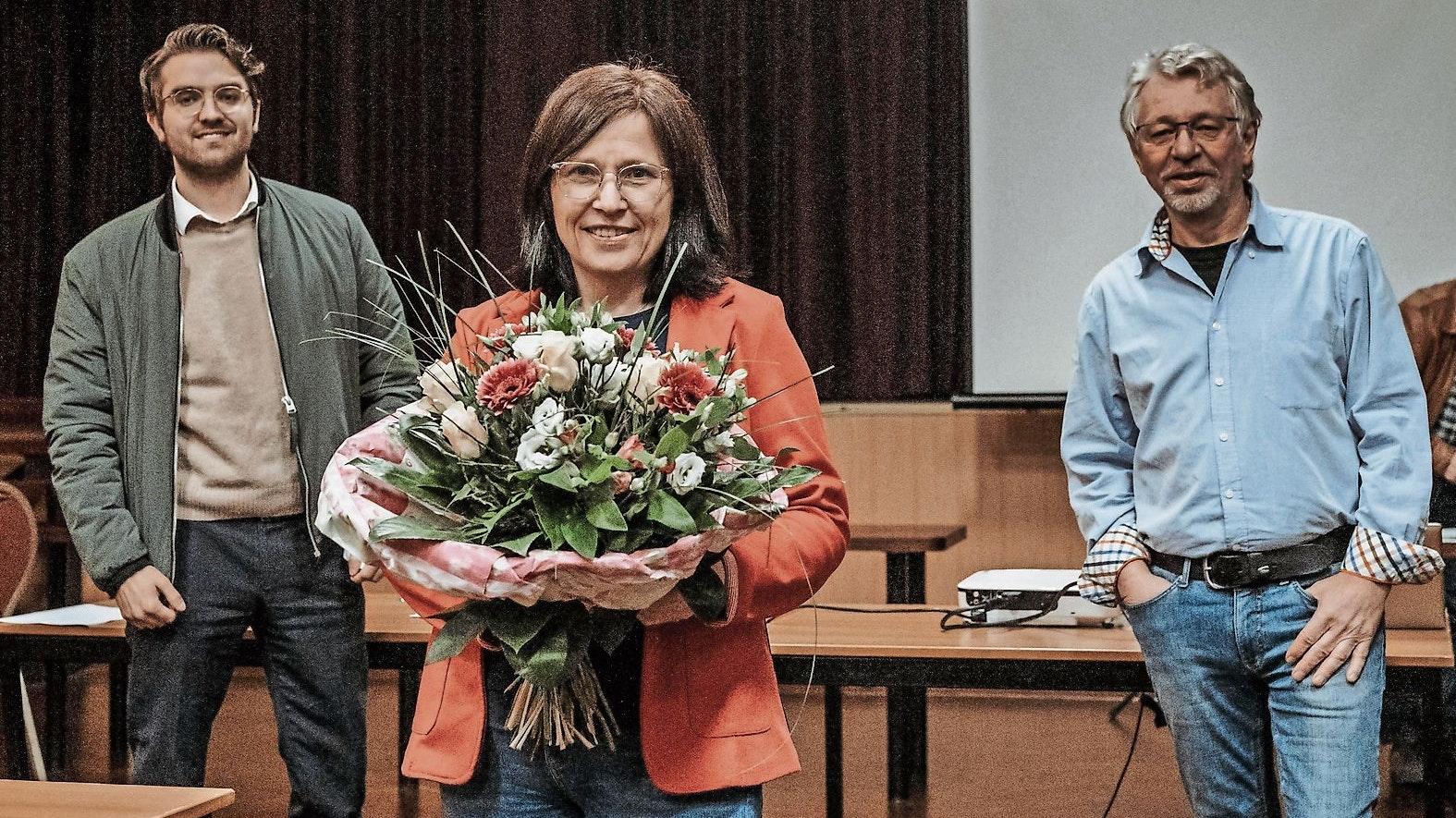 """Nominierung (von links): Jan Oskar Höffmann (SPD), Kandidatin Christiane Priester und Michael Jäger (Grüne).Foto: © """"Buntes Cloppenburg"""""""