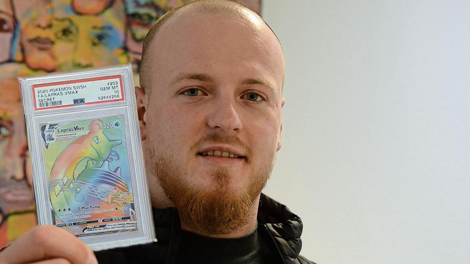 Leidenschaftlicher Sammler: Dennis Morasch besitzt wertvolle Pokémon-Karten. Foto: Hermes
