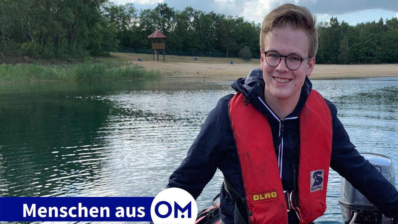 Auf dem Wasser fühlt sich er wohl: Marten Herzog macht gerade seinen DLRG-Rettungsboot-Führerschein. Foto: DLRG