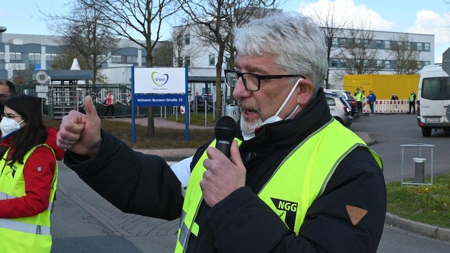 9,50 Euro pro Stunde sind eine Sauerei, sagt NGG-Geschäftsführer Matthias Brümmer. Foto: Thomas Vorwerk