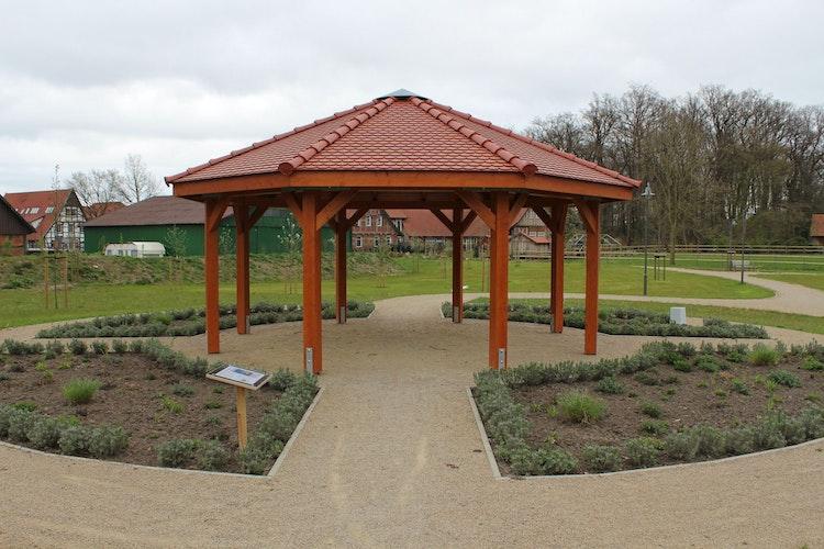 Im Pavillon sollen Sitzmöglichkeiten geschaffen werden. Foto: Heinzel