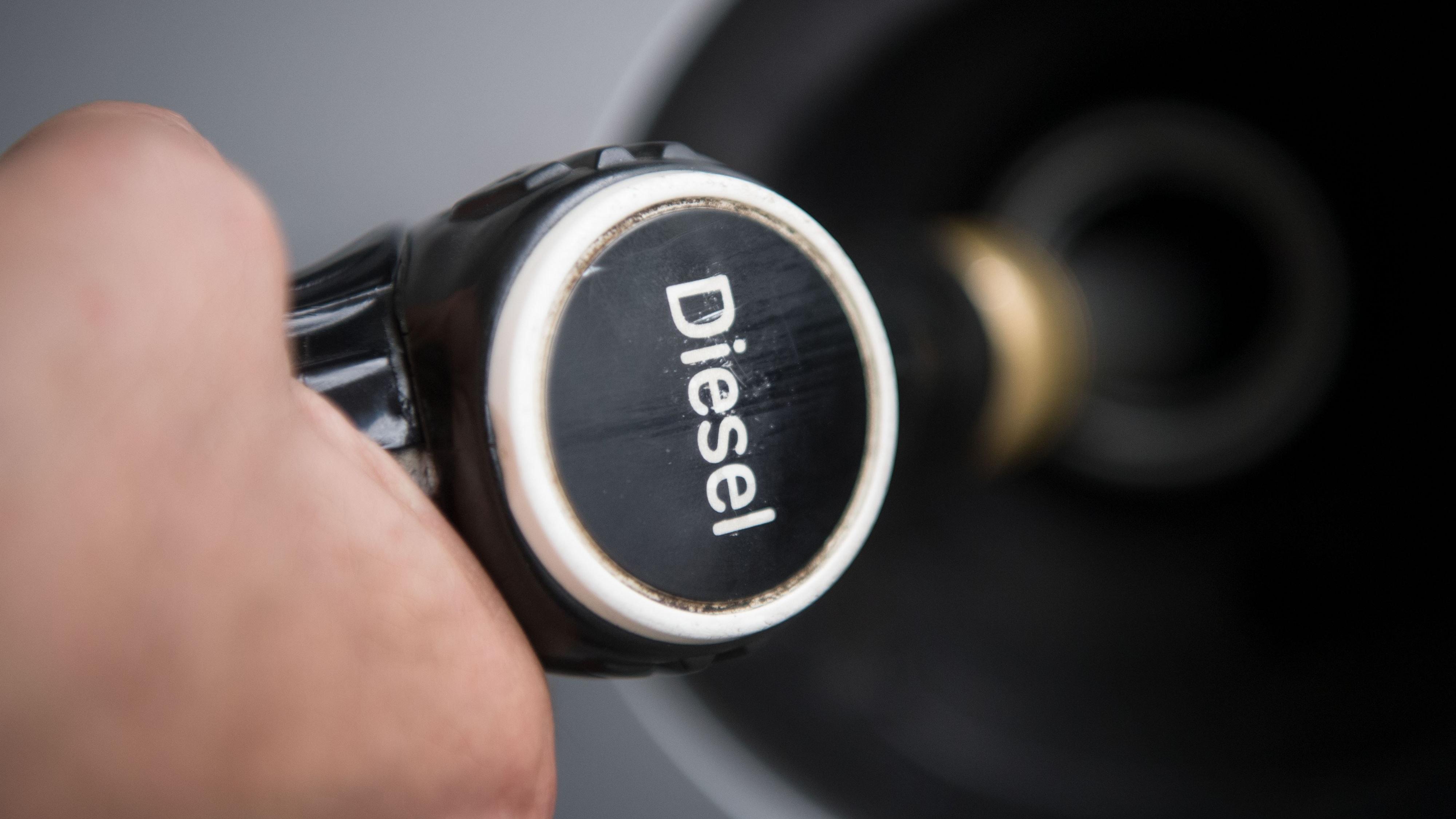 Fast die Hälfte aller in den Landkreisen Cloppenburg und Vechta zugelassenen Pkw tankt Diesel. dpa/Murat