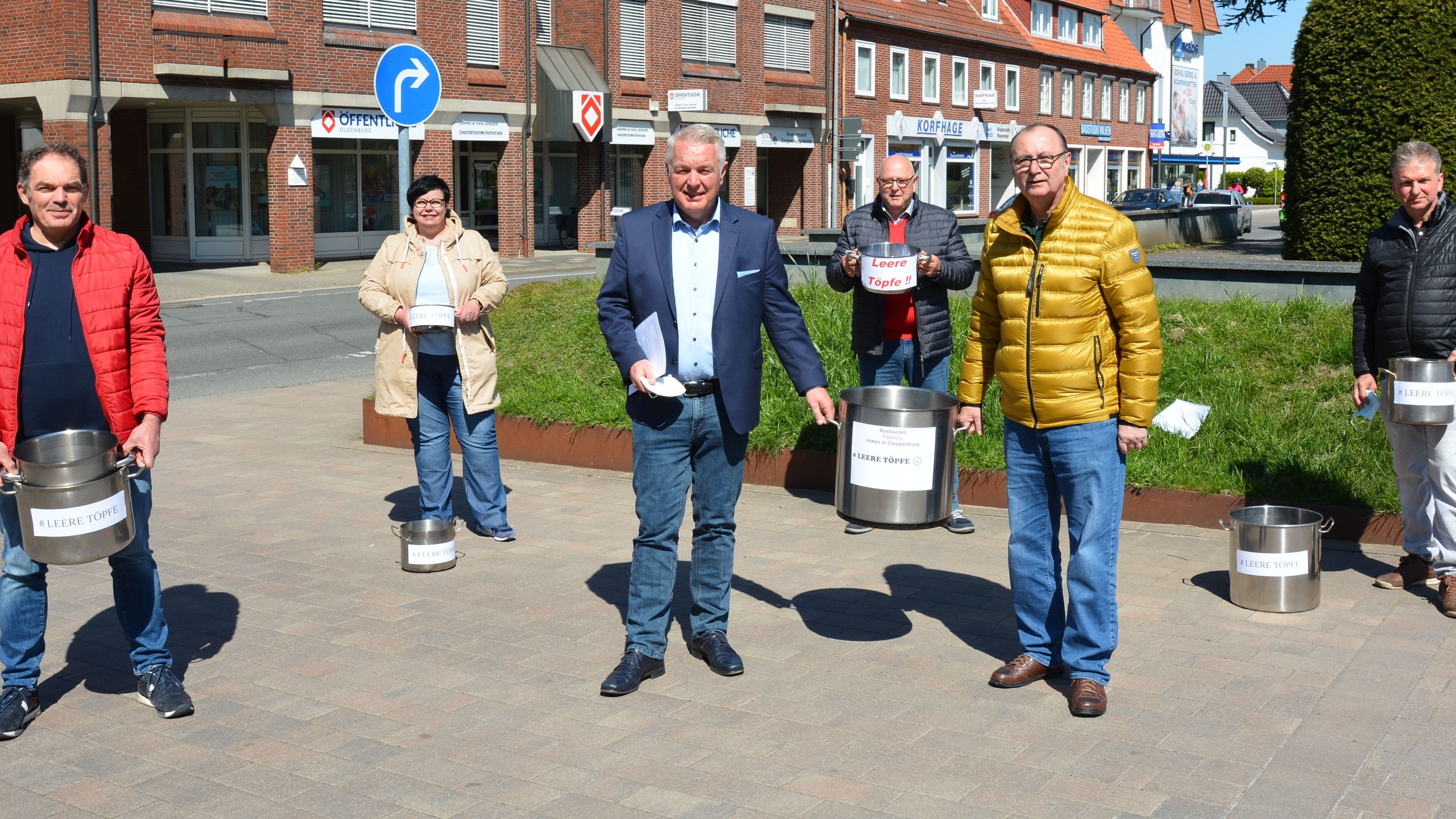 Werner Lüdeke-Dalinghaus, Meike Schlömer-Thomann, Landtagsabgeordneter Christoph Eilers, Franz-Josef Schubert, Klaus Fleming und Richard Hochartz (von links). Foto: Hermes