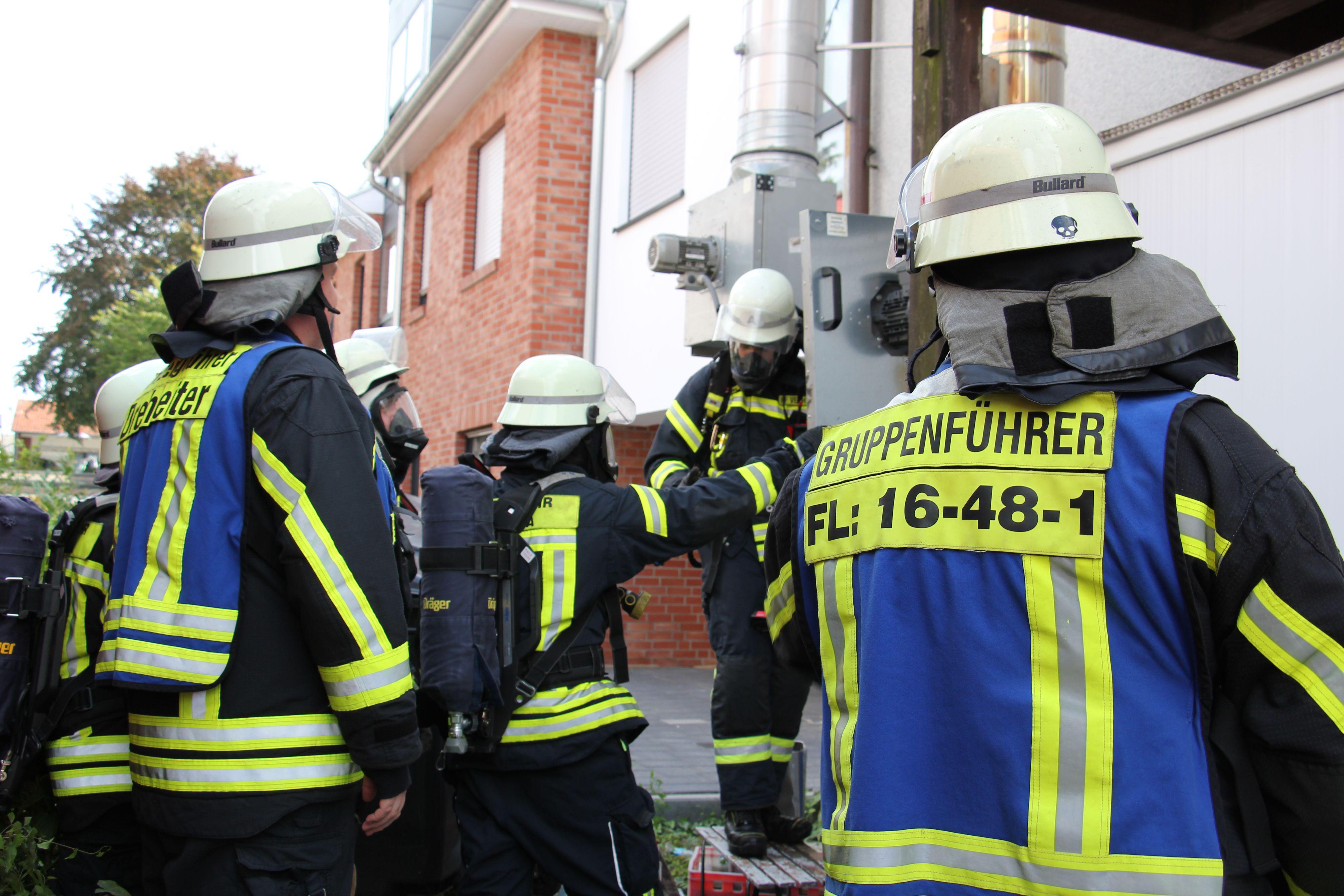 Wenn's brennt, ist die Feuerwehr zur Stelle: Die Mitglieder sollen nun für ihren ehrenamtlichen Einsatz bei der Vergabe von Baugrundstücken belohnt werden. Foto: Speckmann