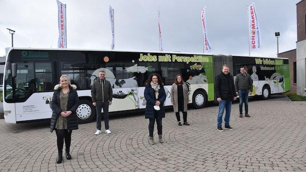 Recruiting kreativ: Biochem wirbt auf Bussen um Auszubildende und Mitarbeiter