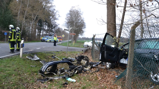 Mann verstirbt in Lastrup nach Autounfall