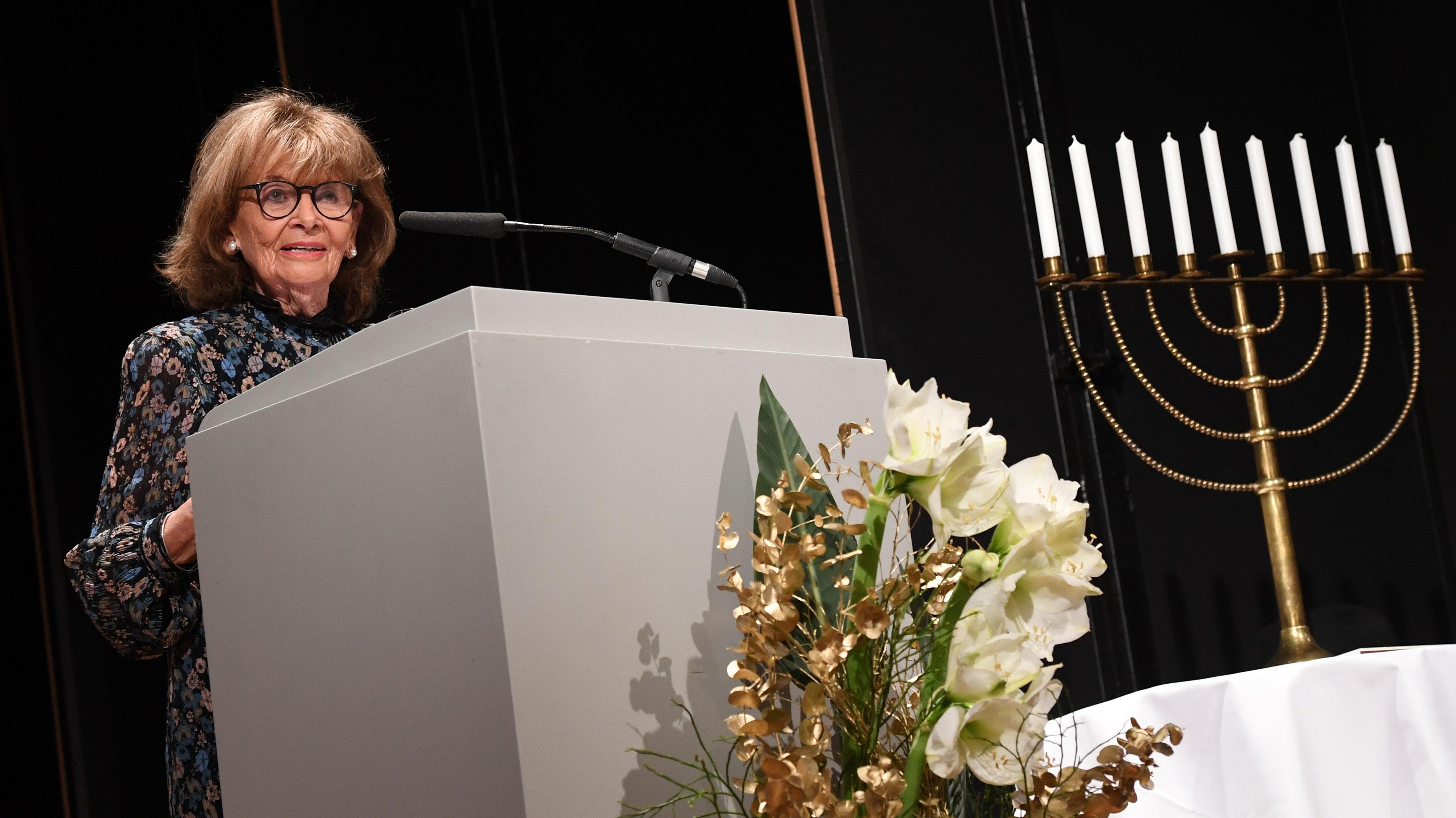 Zählt zu den bekanntesten Zeitzeugen Deutschlands: Charlotte Knobloch. Sie ist Präsidentin der Israelitischen Kultusgemeinde München und Oberbayern. Foto: dpa/Warmuth