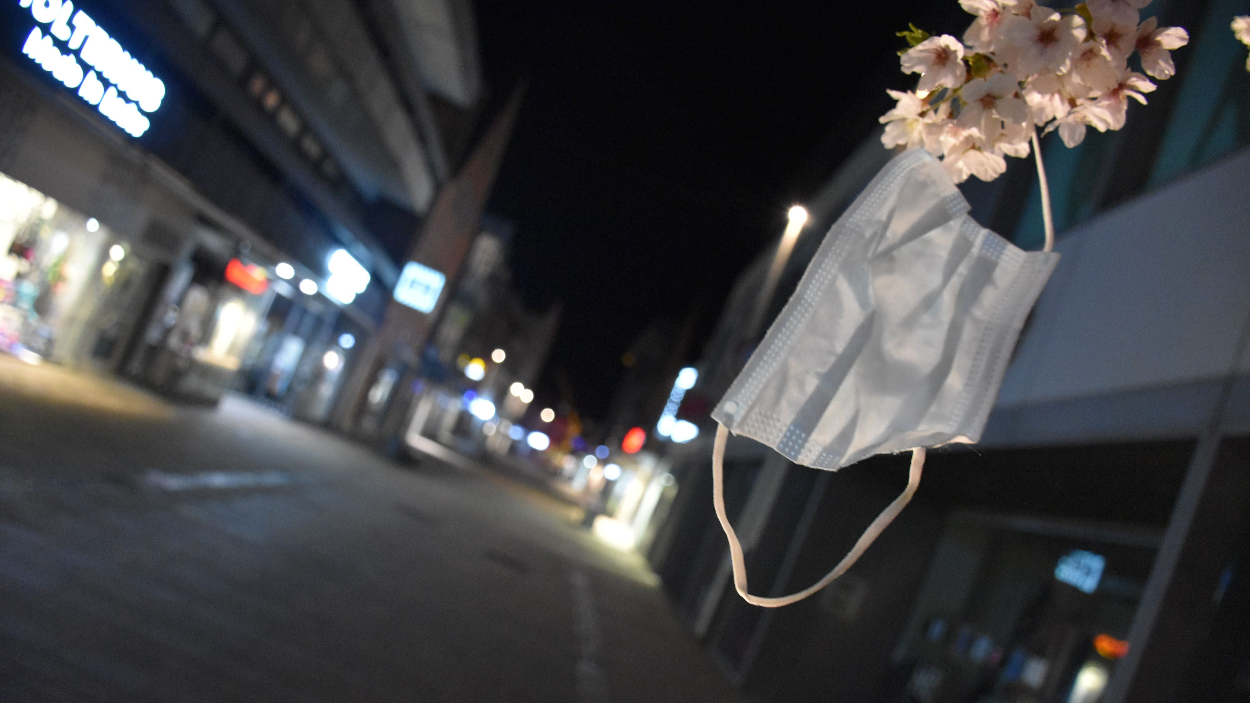 Nächtliche Ausgangssperre im Kreis Cloppenburg: Sie kehrt bereits in der Nacht zu Samstag um 0 Uhr mit Inkrafttreten einer neuen Allgemeinverfügung zurück. Symbolfoto: Max Meyer