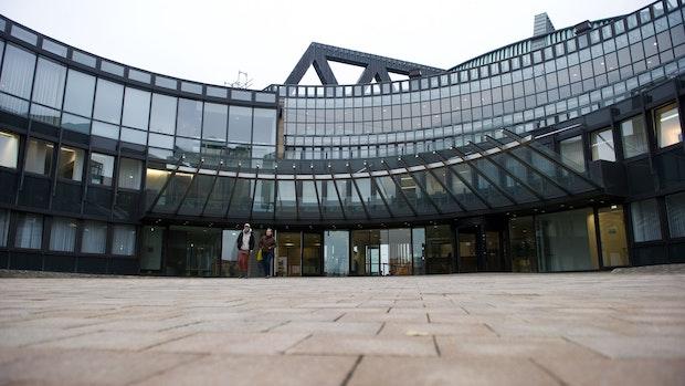 Landtag berät über Weg aus dem Corona-Lockdown