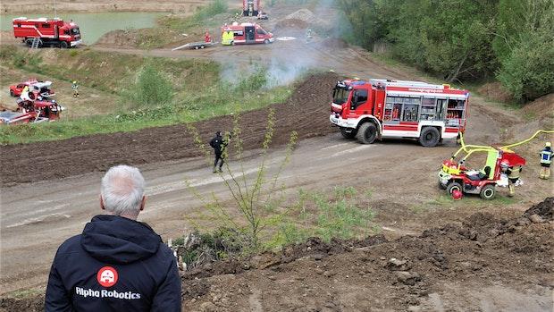"""Kiesgrube Klecker wird zum Testort für Einsatzroboter und """"Fireball"""""""