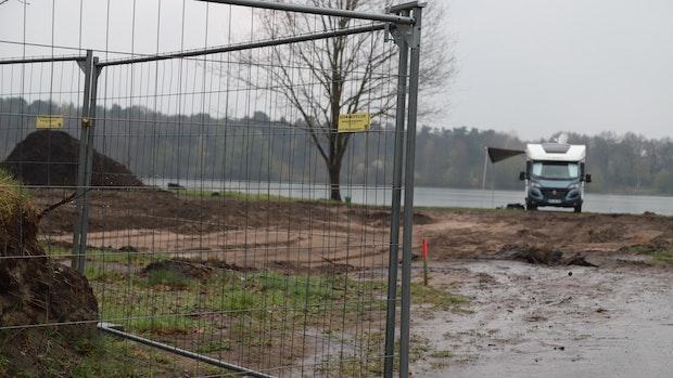 Ärger über Zäune: Spaziergang um den Harkebrügger See soll möglich bleiben