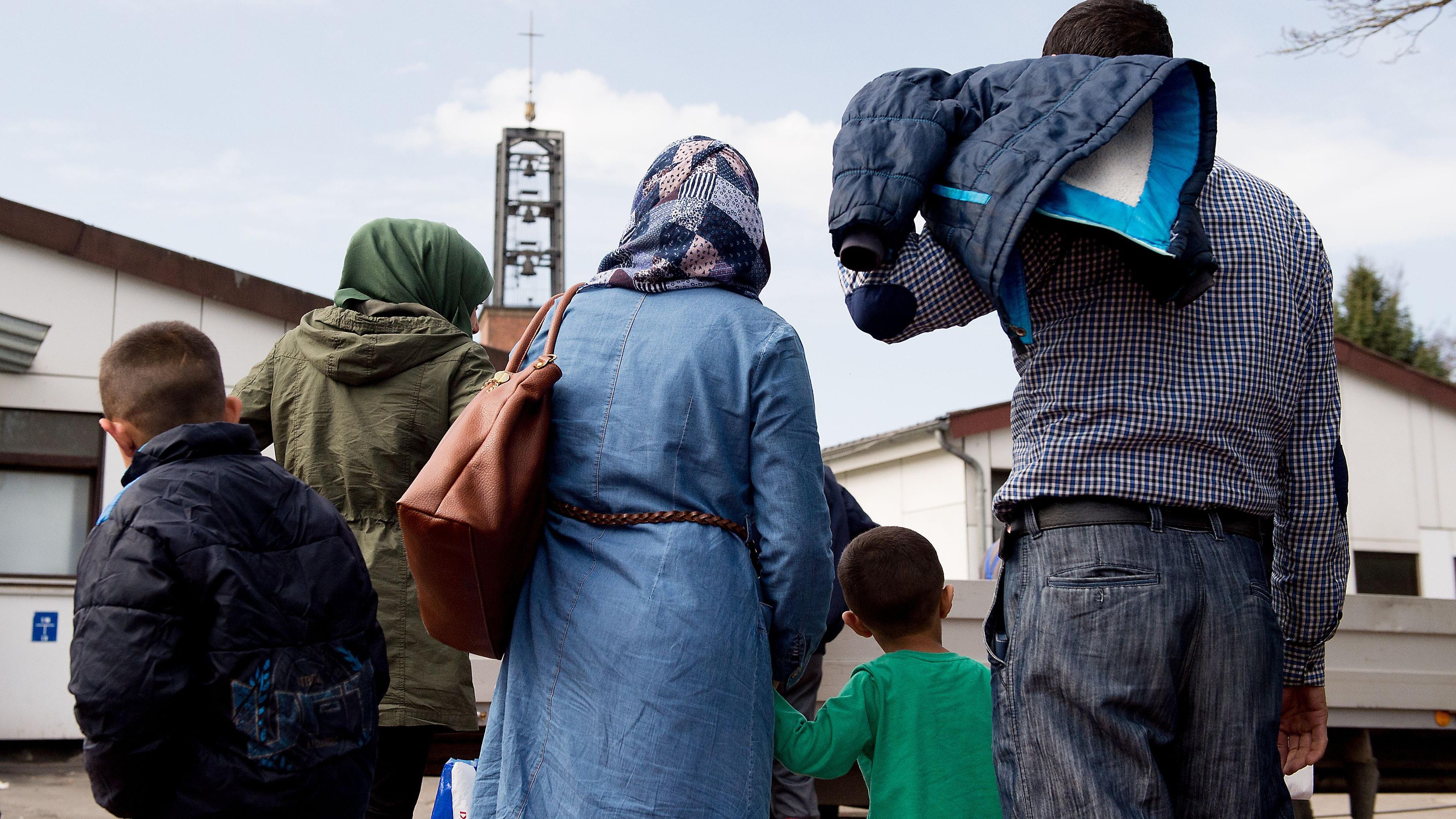 Fast 1.400 Flüchtlinge kamen allein im jahr 2015 in den Kreis Vechta. Viele von ihnen sind laut einer neuen Studie geblieben. Foto: dpa/Pförtner