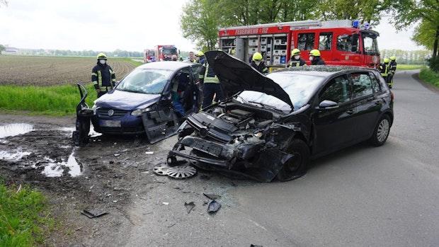 Autofahrerinnen werden bei Unfall schwer verletzt