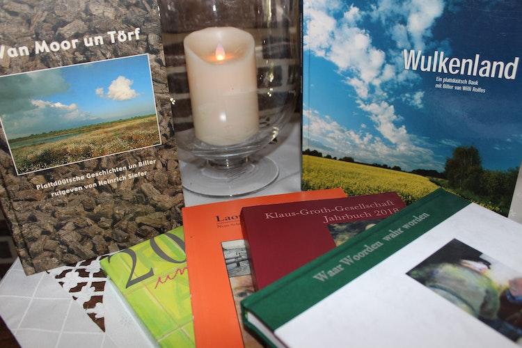 Helga Hürkamp ist in vielen Anthologien, Jahrbüchern und Kalendern mit ihren Beiträgen präsent. Foto: Heinzel