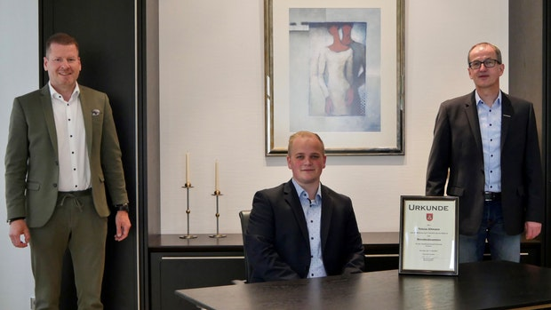 Offiziell: Tobias Ellmann darf jetzt trauen