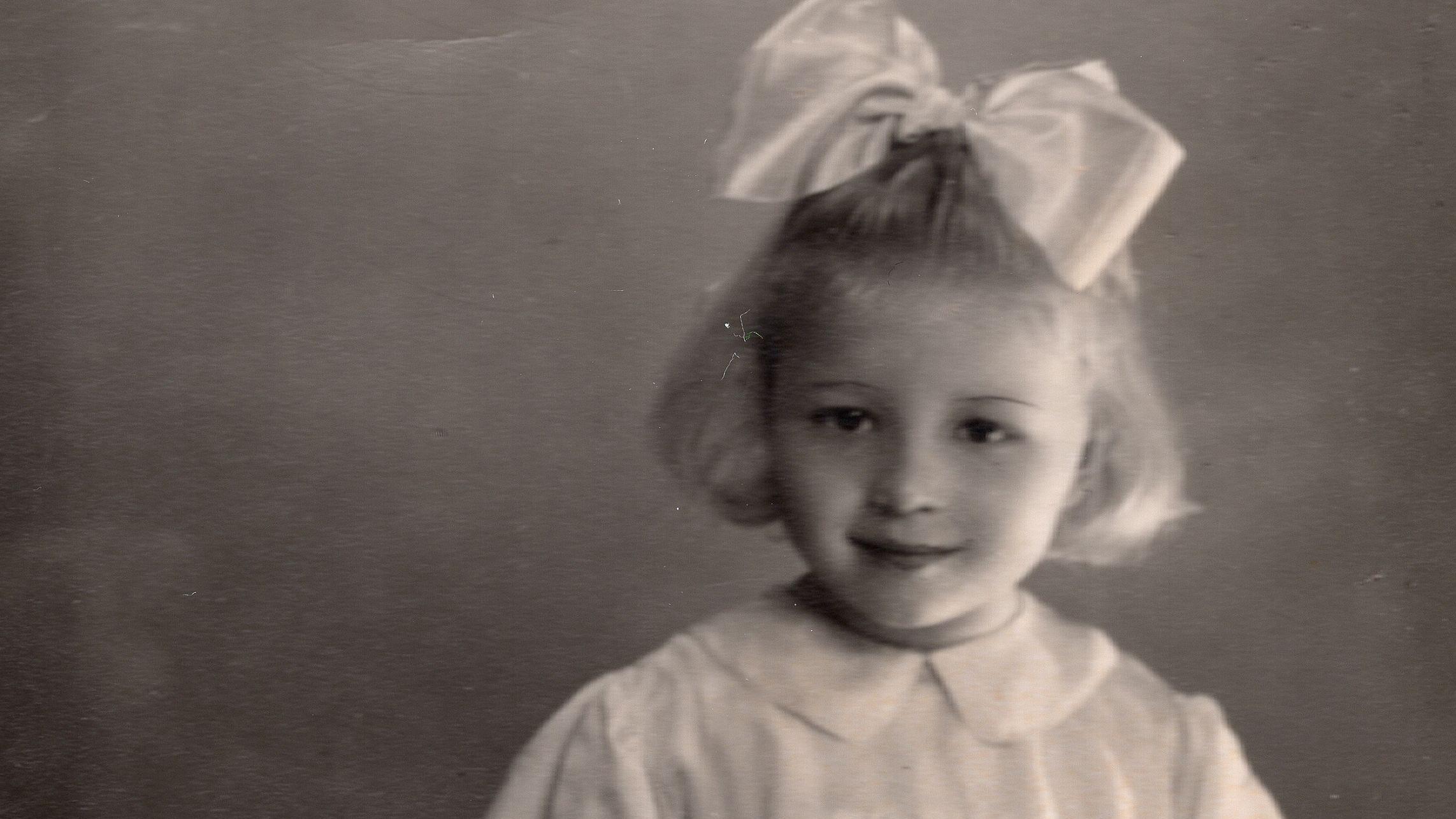 Gerettet und aufgenommen: Zofia Wareluk mit 3 Jahren. Geboren wurde sie am 13. Januar 1945 im Vernichtungslager Auschwitz-Birkenau. © Zofia Wareluk/Archiv Alwin Meyer