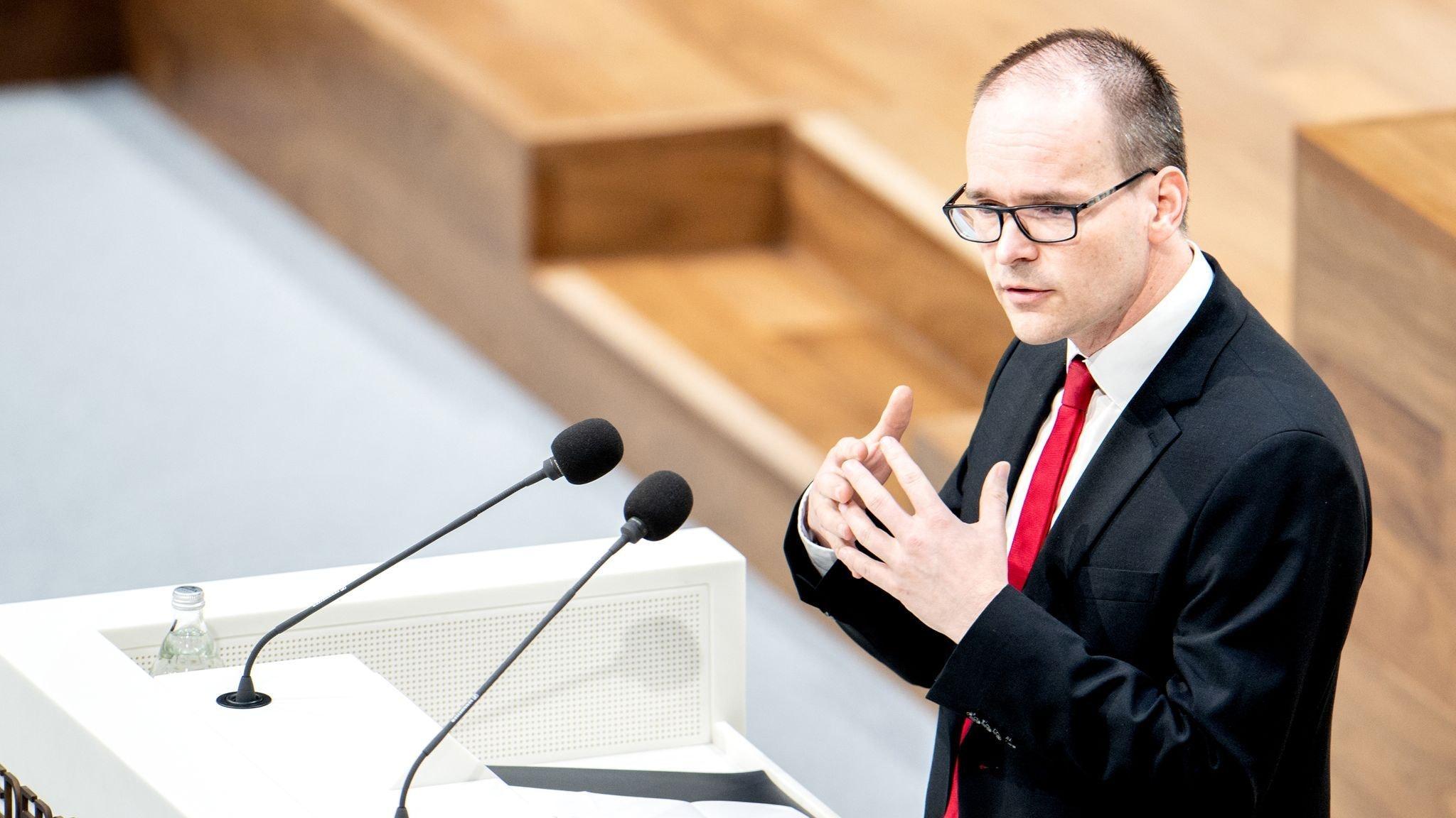 Will Kitas und Schulen wieder öffnen: Grant Hendrik Tonne (SPD), Kultusminister in Niedersachsen. Foto: dpa/Dittrich
