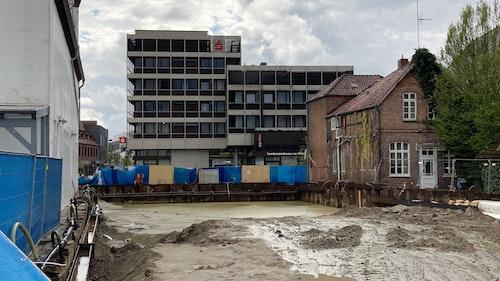 Stadt legt Geschäftshaus-Neubau vorübergehend still
