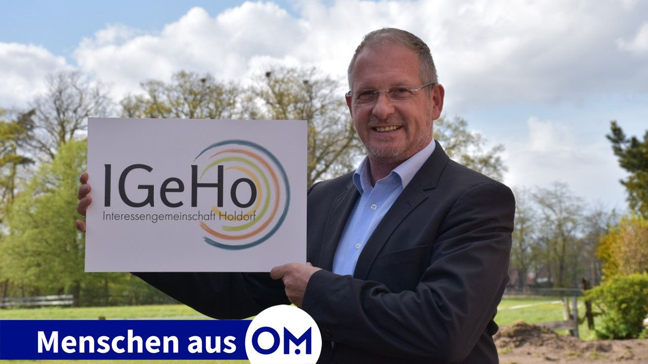 Bereit für den Wahlkampf: Andreas Lucht mit dem Logo der neu gegründeten Interessengemeinschaft Holdorf (IGeHo). Foto: Wehring