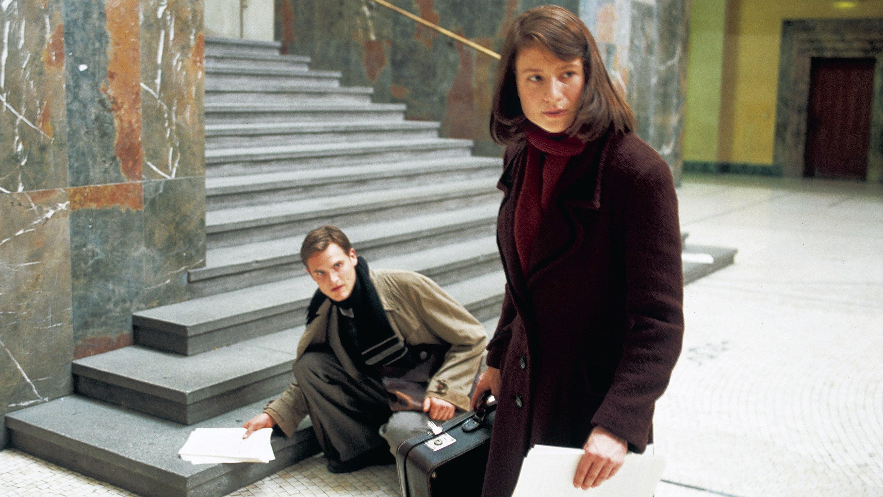 """Schlüsselszene: Die Geschichte von Sophie Scholl und der Weißen Rose wurde mehrfach verfilmt. Hier eine Szene aus """"Sophie Scholl - Die letzten Tage"""". Foto: dpa   X-Verleih"""