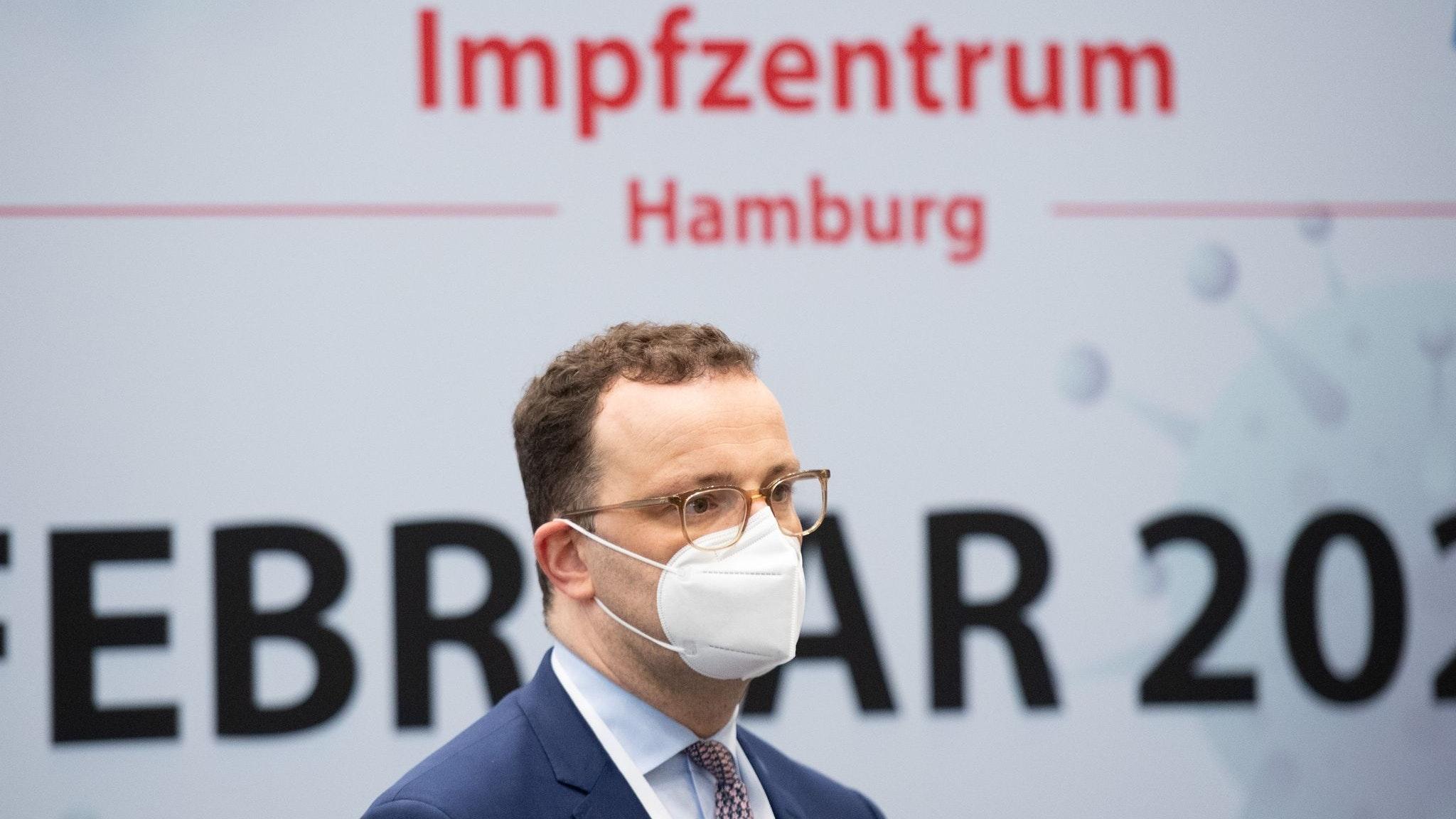 """""""Innerhalb der EU wird das Reisen voraussichtlich nicht von der Impfung abhängig sein"""", sagt Bundesgesundheitsminister Jens Spahn (CDU). Foto: dpa"""
