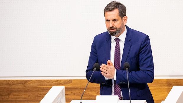 Umweltminister Lies schlägt Soli für mehr Klimaschutz vor
