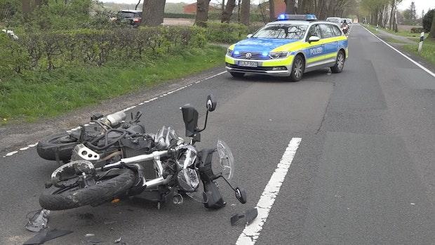 Motorradfahrer werden bei Unfällen schwer verletzt