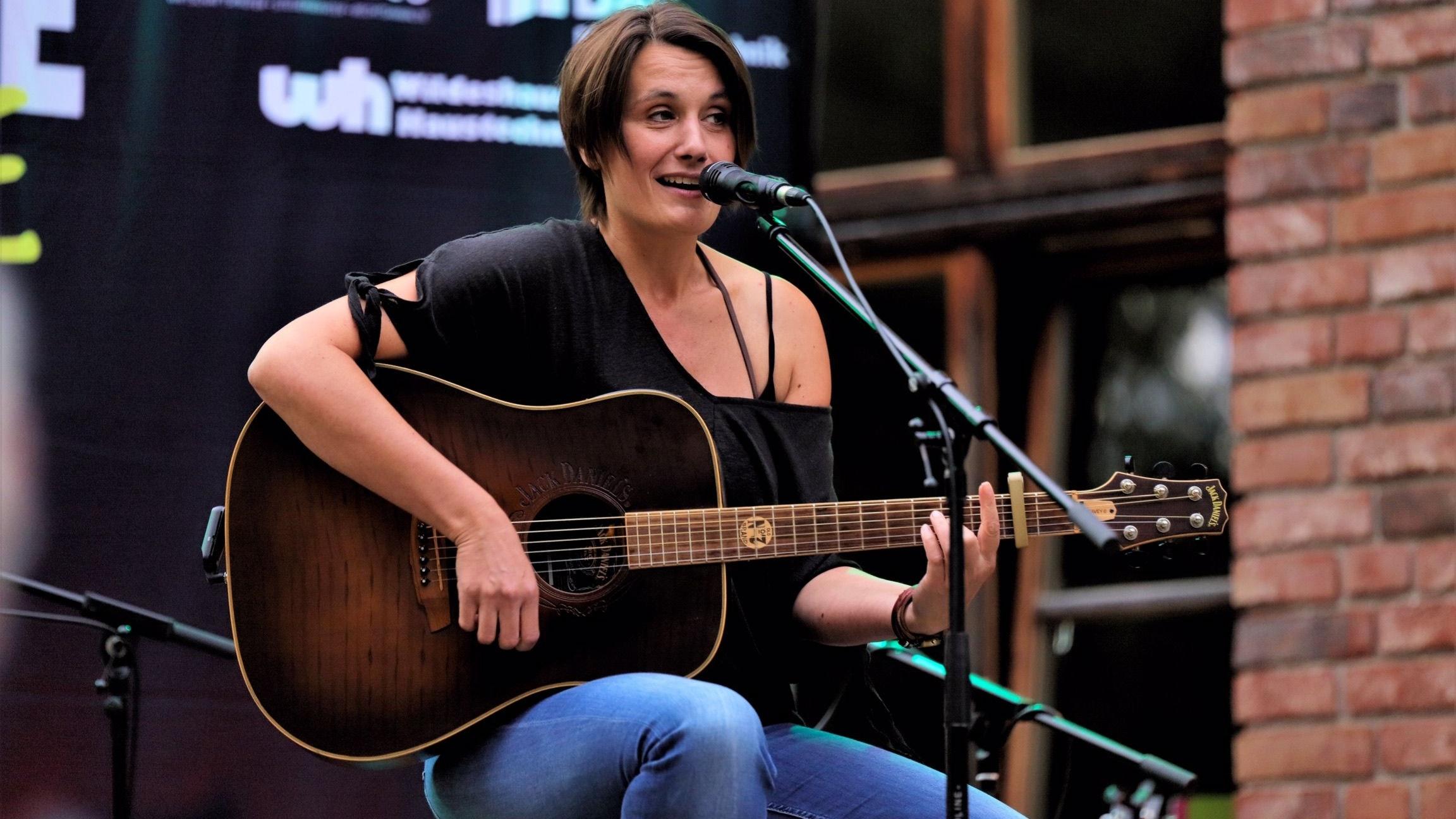 Freut sich auf Lastrup: Sandra Otte gastiert am 11. Juni in der Kulturscheune. Foto: Heinz-Werner Vesting