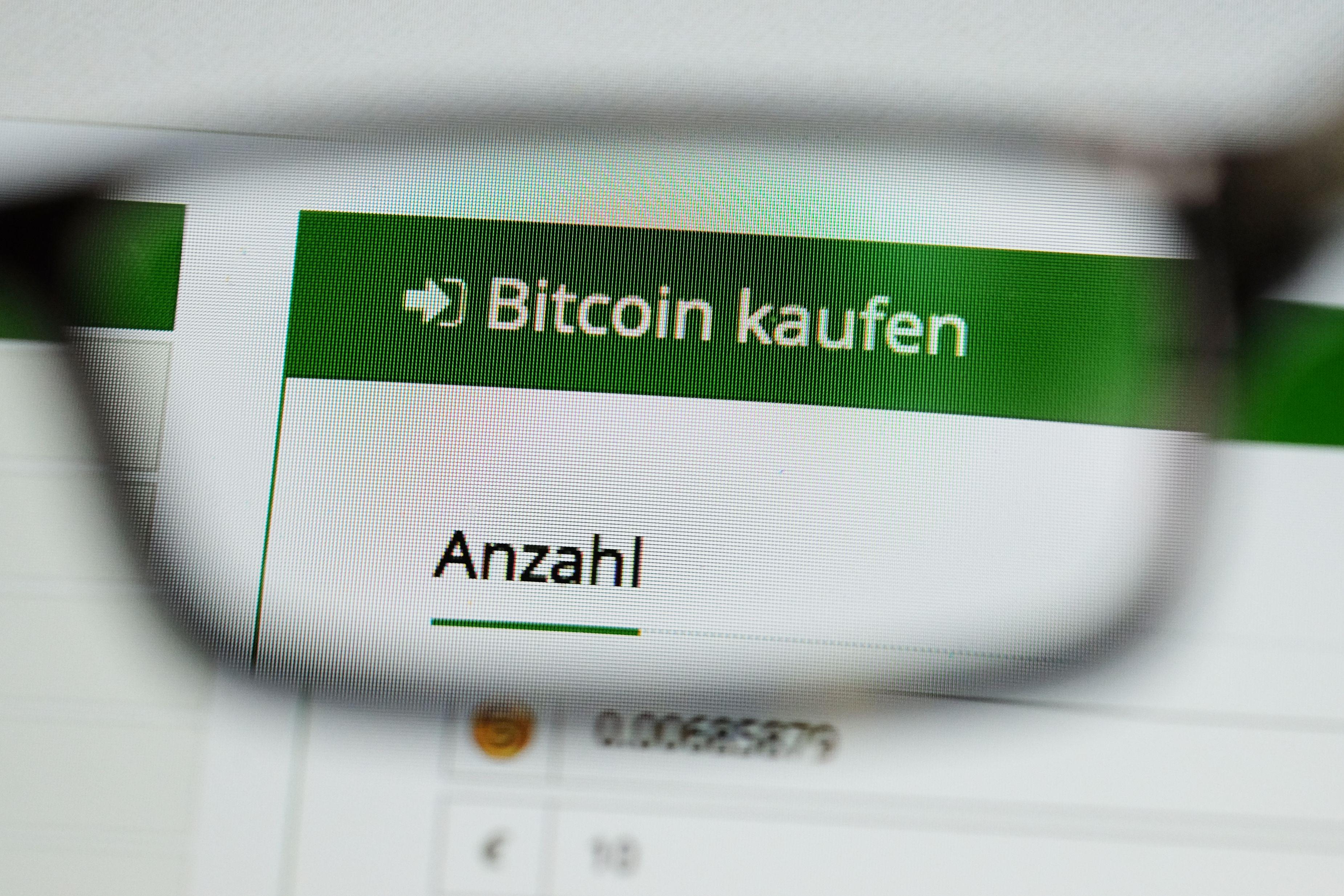 """Derzeit herrscht ein Hype um die digitalen """"Währungen"""": Bitcoin ist die bekannteste digitale Einheit. Foto: dpa / Kalaene"""