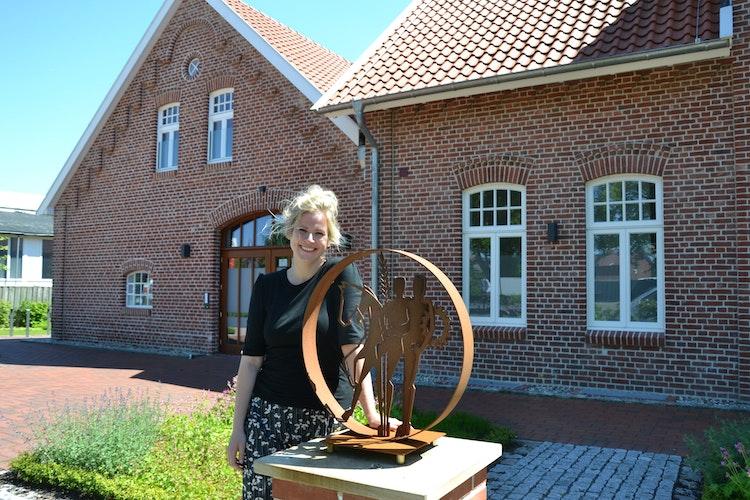 Erleichtert, dass es bald losgeht:  Verena Rammler hofft auf schöne Abende in der Kulturscheune. Foto: Meyer