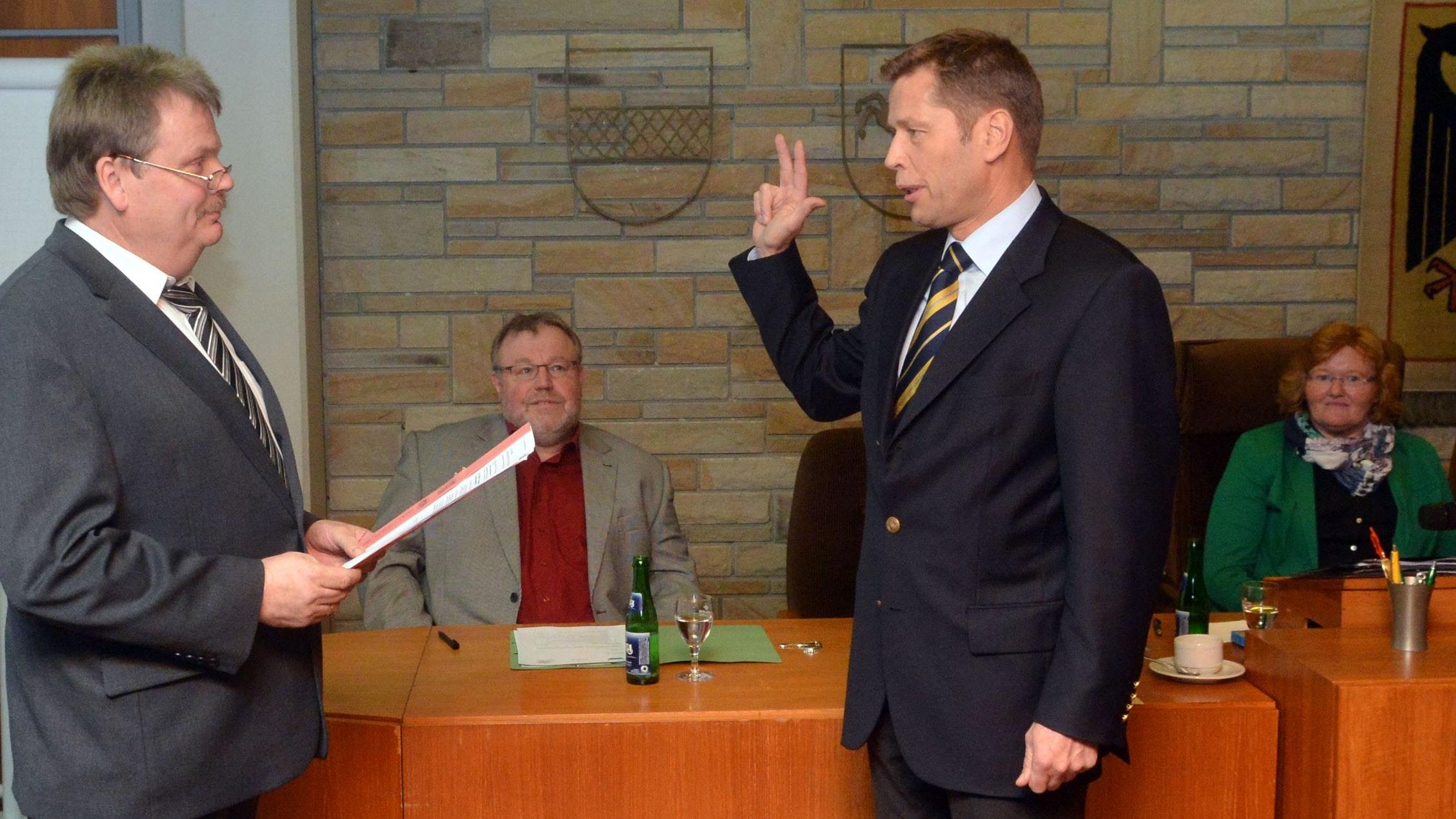 Vor 7 Jahren wurde Marcus Willen als Bürgermeister vereidigt. Er wird sich am 12. September erneut zur Wahl stellen. Foto: Siemer