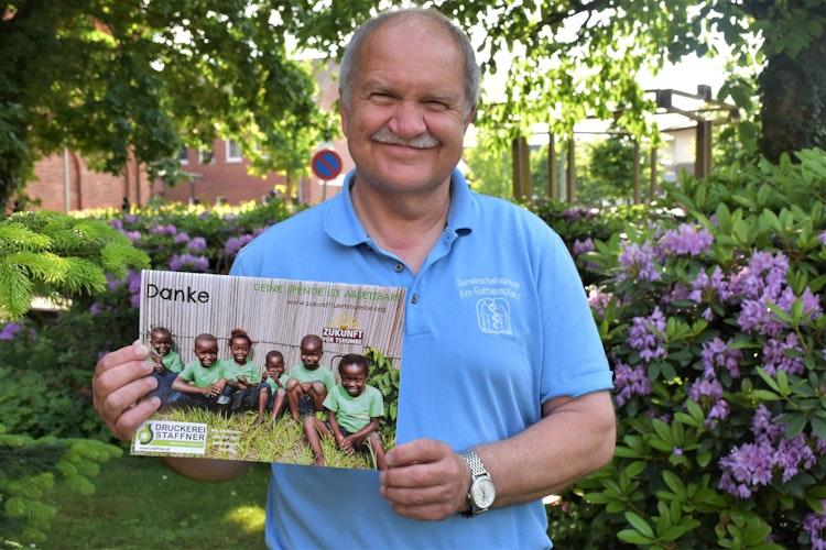 """Wirbt für das Projekt: Ludger Baumann hofft, dass viele Spenden für den Verein Zukunft für Tshumbe"""" erlaufen werden. Foto: Böckmann"""
