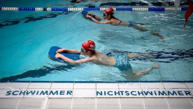 Ab ins Wasser! Lohner Vereine starten Schwimm-Offensive für Kinder
