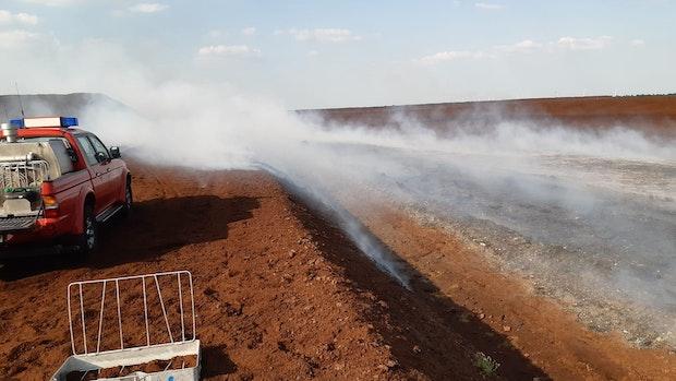 Feuerwehr löscht Moorbrand in Ramsloh