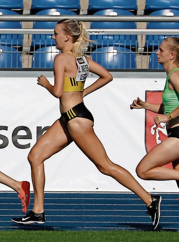 Das Treppchen darf es schon sein: Lea Meyer startet ambitioniert über die 3000 Meter Hindernis. Foto: Harald Prepens