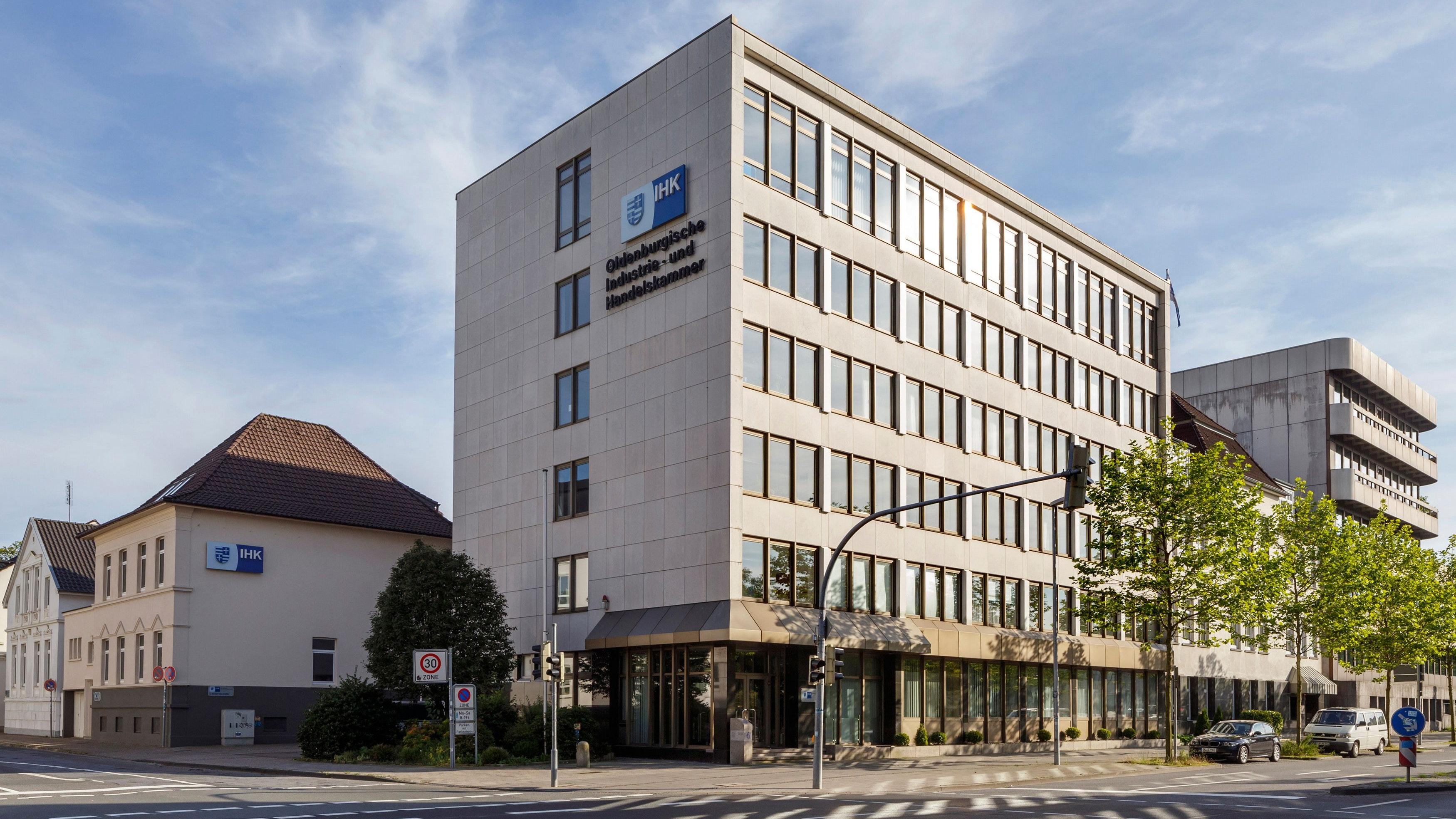 Eine von 80 Industrie- und Handelskammern in Deutschland: Die Oldenburgische IHK an der Moslestraße. Foto: Burmann