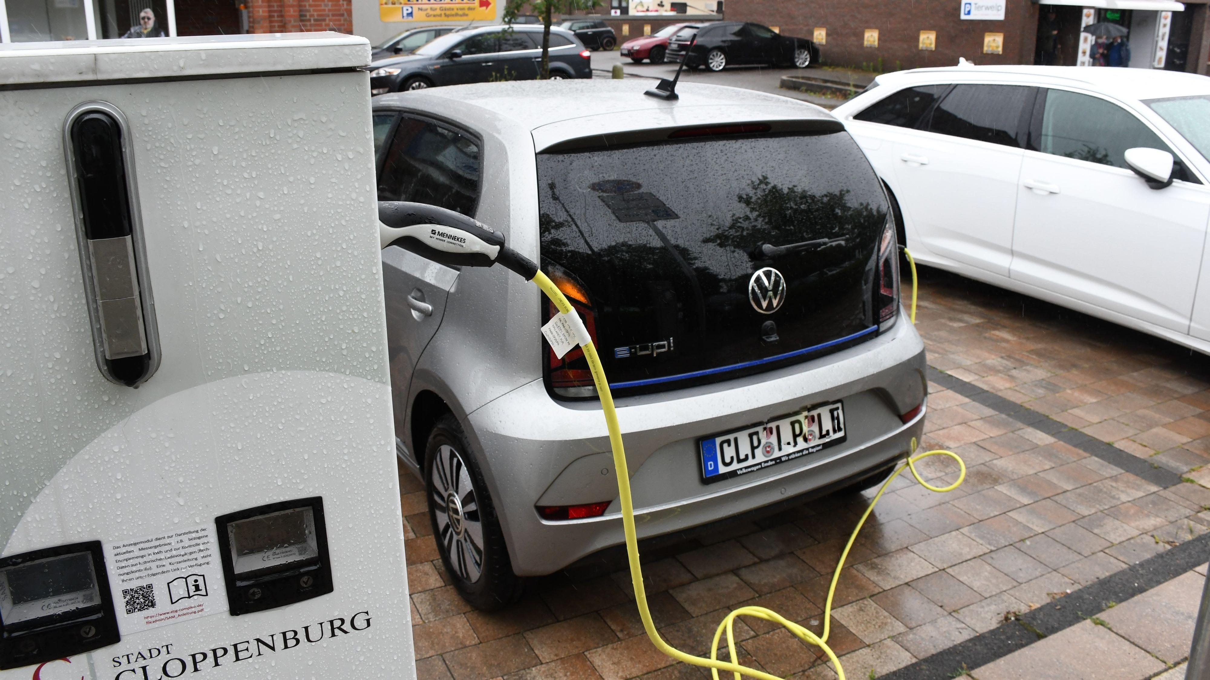 Mit Stadtzuschuss: 500 Euro zusätzlich soll's aus der Stadtkasse für kleine E-Autos geben, schlagen die Grünen vor. Foto: Kreke