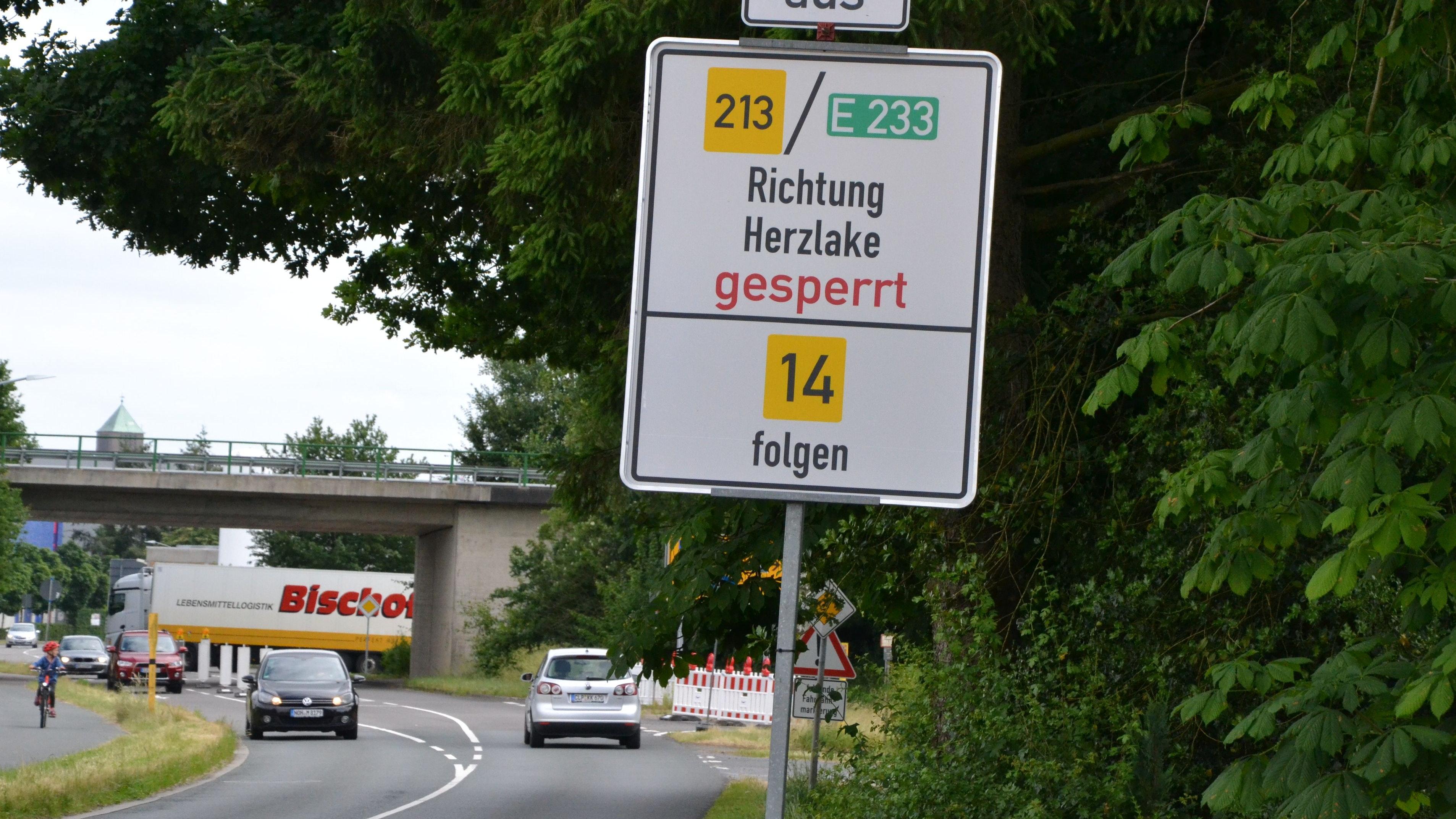 Umleitung beachten: Die B213 ist zurzeit ab Löningen nicht befahrbar. Foto: G. Meyer
